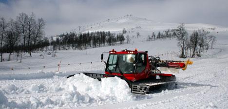 Vil du ha snø i påsken må du dra vestover. Slik ser det ut i Myrkdalen på Voss 13. april. Snø i massevis! (Foto: Per Berge)