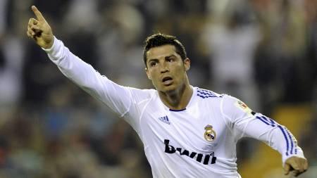 VRAKET: Cristiano Ronaldo får ikke muligheten til å juble for scoringer mot Real Zaragoza på lørdag. (Foto: PIERRE-PHILIPPE MARCOU/Afp)