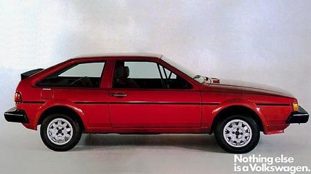 Scirocco mk 2, her en USA-modell med kraftigere støtfangere, mistet litt av spensten i linjene fra forgjengeren. Modellen måtte etter hvert også dele rampelyset med enda mer sportslige Corrado, før de begge måtte strekke våpen.