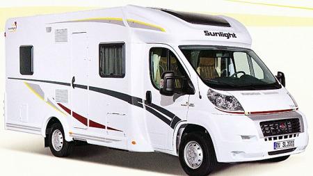 Tyske Sunlight tilbyr to forskjellige modellserier i år, én halvintegrert og én serie alkovebiler.