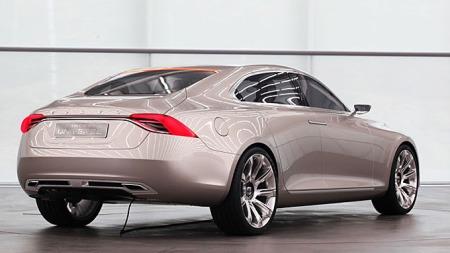 Volvo_Concept_Universe_bakf