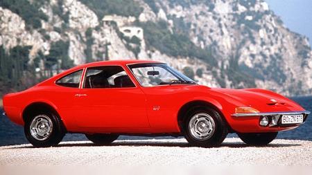 Opel GT lignet mye på C3-generasjonen av Chevrolet Corvette, og ble også kalt