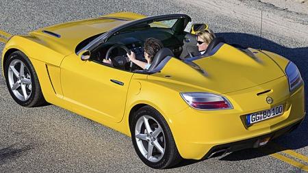 Den nye GTen ble uforholdsmessig dyr i Norge, og den konkurrerte dermed mer med dyrere sportsbiler enn kompakte roadstere. Salget ble deretter. Foto: Netcarshow.com