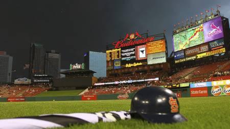 Tornado St. Louis Busch stadium (Foto: Dilip Vishwanat/Afp)