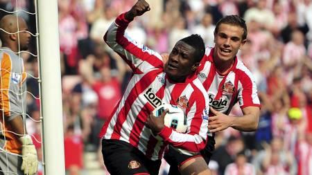 Asamoah Gyan jubler etter scoring for Sunderland mot Wigan. (Foto: Steve Drew/Pa Photos)