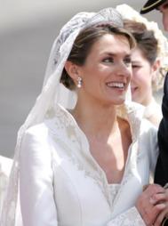 LIK UTRINGNING: Da Kronprinsesse Letizia giftet seg med Felipe   i 2004 hadde hun en lignende utrining som Kate. Også blondesløret kunne   minne om den spanske kronprinsessens. (Foto: Abd Rabbo-Hounsfield-Klein-Mous,   ©TS)