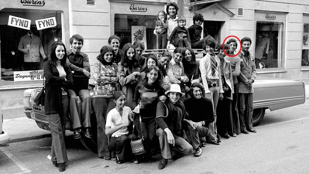 PÅ FERIETUR: Bildet er tatt i Falun i Sverige i september 1971. 14 år gamle Osama er nummer to fra høyre. (Foto: Dalmas)