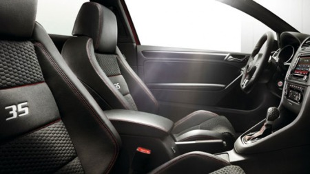 2011-Volkswagen-Golf-GTI-in