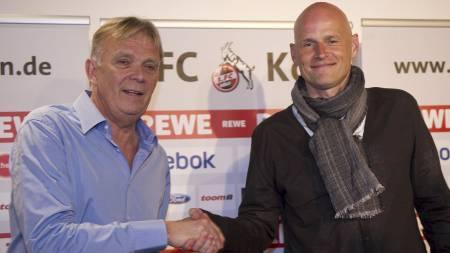 Volker Finke (t.v.) forventer at Ståle Solbakken leder FC Köln til en plass på øvre halvdel av tabellen. (Foto: PATRIK STOLLARZ/Afp)