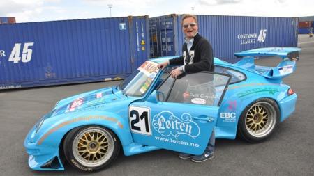 Blå Porsche RS 2 og eier Pål R. Eidsvold