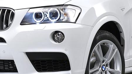En av de tre turboene i BMW X3 M blir elektrisk - etter hva ryktene sier. Bildet er av en X3 med M-stylingpakke. (Foto: BMW)
