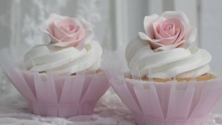 Romantic wedding cupcakes (Foto: Passion4baking.com)
