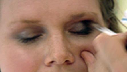 SOTET «LOOK»: Ikke vær redd for å overdrive med kajalen. Dus godt for en sotet «look»