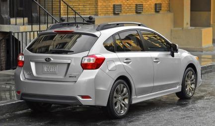 Virkeligheten blir dessverre slik: Amerikansk-japansk designsmak har fått bestemme hvordan denne bilen skal se ut. De fine linjene er rotet til. (Foto: Subaru)