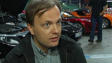 RIVENDE UTVIKLING: Einar Håndlykken i Zero regner med tusenvis av nye elbiler på veiene i årene som kommer. (Foto: TV 2)