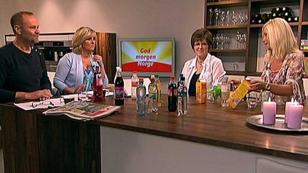 Ernæringsfysiolog Tine Mejbo Sundfør (t.h.) anbefaler juice framfor nektar. (Foto: God morgen Norge)