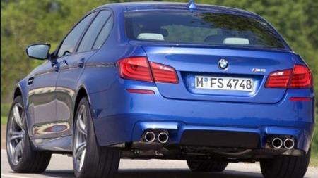 BMW M5 skrått bakfra