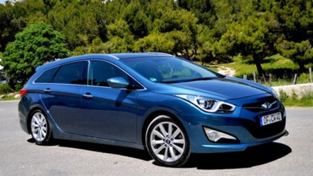 Hyundai i40 skrått forfra