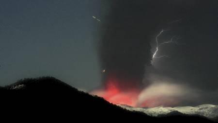 Puyehue-Cordon Caulle-vulkanen i Chile forårsaker nå store problemer for flytrafikken i Oceania. (Foto: Alvaro Vidal/Ap)