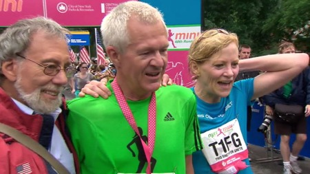 STOLT: Gretes ektemann, Jack Waitz, deltok i løpet som var til minne om hans avdøde kone.  (Foto: TV 2)
