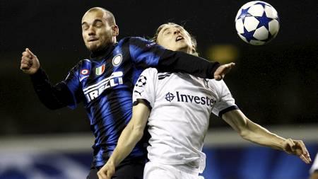 ØNSKET AV MANCHESTER UNITED: Inter Milan's Wesley Sneijder (venstre) og Tottenham Hotspur's Luka Modric (høyre) (Foto: Sean Dempsey/Pa Photos)