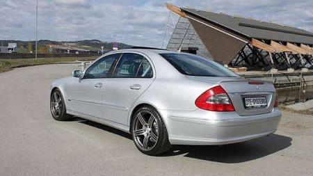 Mercedes-Benz overgikk alt annet av firedørs-dieselbiler da de lanserte 420 DCI med 313 hk. Denne er nå til salgs for 549 000 kroner - og kostet 1,35 millioner ny. FOTO: DTE-Systems/finn.no