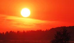 En rød soloppgang derimot betyr at finværet er passert. (Foto:   (Illustrasjonsbilde) Colourbox)