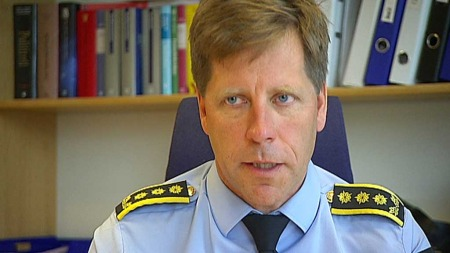 GÅ RETT TIL POLITIET: Påtaleleder Gunnar Fløystad i Hordaland politidistrikt frykter at råd fra barnehusene kan skade etterforskningen. (Foto: TV 2)