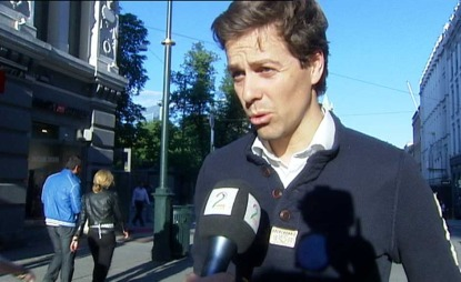 FORSTÅR: Knut Arild Hareide (KRF) skjønner godt at politistudentene er skuffet.  (Foto: TV 2)