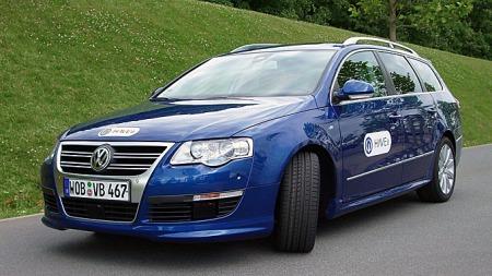 Testbilen til HAVEit-prosjektet er ikke imponerende i seg selv, men den har innbygget elektronikk for en anseelig sum EU-genererte forskningspenger. Foto: Volkswagen Group
