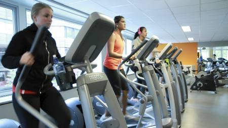 FRISK MED TRENING: - Det er solide bevis for at trening på moderat til høy intensitet bidrar til kraftig reduksjon i risiko for hjerte- og karsykdom, sier Sporty-ekspert Siri Marte Hollekim. (Foto: Nina Kausland/)