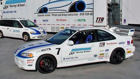 4. stk. race-preppet Honda Civic, Dodge servicebil og semitrailer