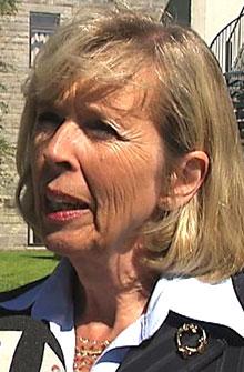 LOVER BEDRING: Helse- og sosialminister Anne-Grete Strøm-Erichsen (Ap) lover å rydde opp i det elektroniske journalsystemet. (Foto: TV 2)