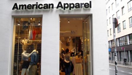 AMERICAN APPAREL: På American Apparel finner du basisplagg og   streetwear i alle regnbuens farger.