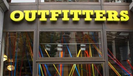 URBAN OUTFITTERS: Billig moro fordelt på tre etasjer i hjertet   av Antwerpen.