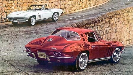 1965 Chevrolet Corvette. Foto fra brosjyren. (Foto: original   car brochure scan, ©E)