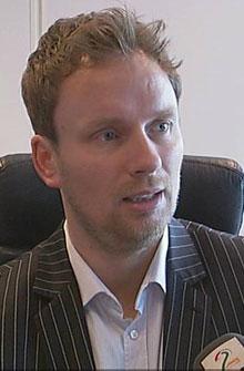 RASENDE: Advokat Tom Erik Vestrheim representerer gutten og mener klienten er utsatt for mishandling.  (Foto: TV 2)