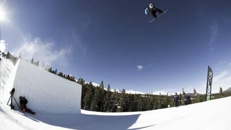 LUFTIGE SVEV: Torstein Horgmo og co kan sørge for spektakulære bilder fra Sochi. (Foto: Snowboardforbundet/)