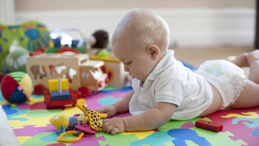 AKTIV: Det er spesielt viktig at barn under fem år holder seg aktive. Det viser britisk forskning.
