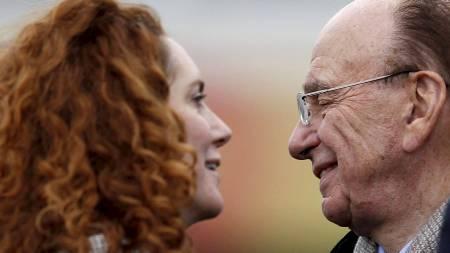 Rebekah Brooks, News International-direktøren som var News of the World-redaktør da telefonhackingen begynte, har mediemogul Rupert Murdochs fulle tillit. (Foto: EDDIE KEOGH/Reuters)