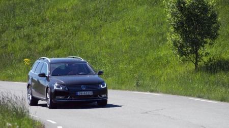 VW Passat i fart