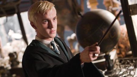 MALFOY: Sigrid Bonde Tusvik mener hun liger på karakteren Malfoy i Harry Potter. - Både blondhetsmessig og slemhetsmessig.  (Foto: Heyday Films, ©TS)