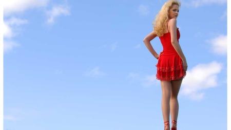 Bruker man rød kjole i bryllup signaliserer det at man har ligget med brudgommen.  (Foto: Illustrasjonsfoto)