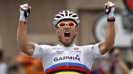 Thor Hushovd jubler for etappeseieren i Gap. (Foto: STEFANO RELLANDINI/Reuters)