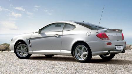 Hyundai-Coupe_bakfra