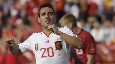 Santi Cazorla   er blant nykommerne som skal sørge for at Malaga kan ta steget ut i Europa   neste sesong (Foto: TIMOTHY A. CLARY/Afp)
