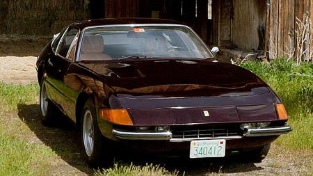 En Ferrari Daytona er selve drømmebilen for svært mange. Denne tidløse klassikeren har både en uvanlig farge og en unik kilometerstand - selv om dette er den av trekløveret som både er eldst og har gått