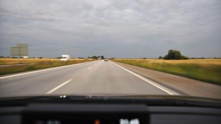 Når en kommer til Sverige er det mye rett fram og bare å bruke cruise control.