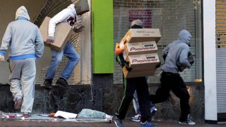 England opptøyer (Foto:   DARREN STAPLES/Reuters)