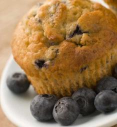 Muffins er enkle og lage og et populært innslag i matpakken til skolestart.  (Foto: colourbox.no)